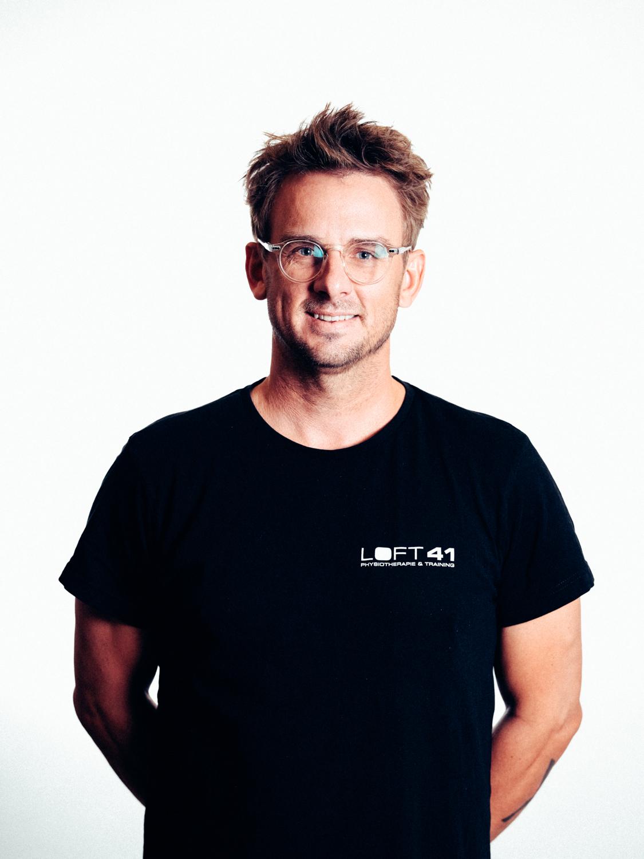 Portrait Foto von Jon Örarbäck, Gründer und Physiotherapeut im loft41