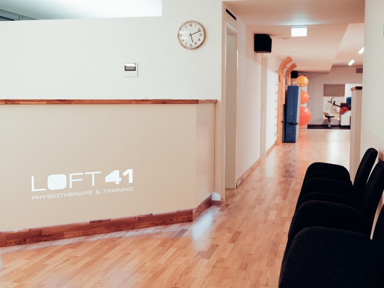 Rezeption und Wartebereich von Loft41