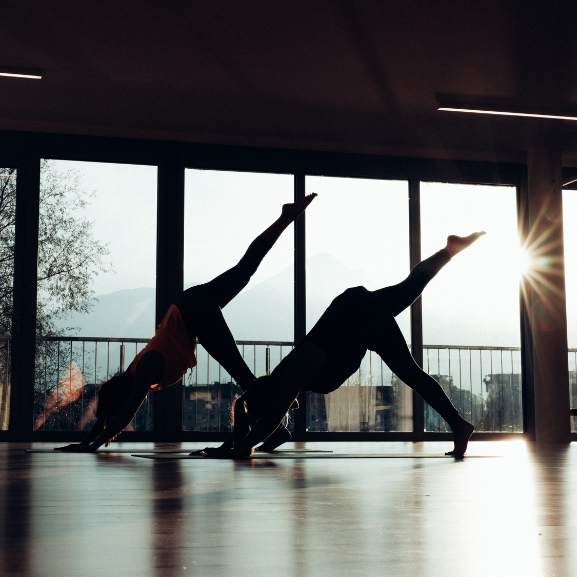 Yoga im Loft 41 bei Sonnenuntergang